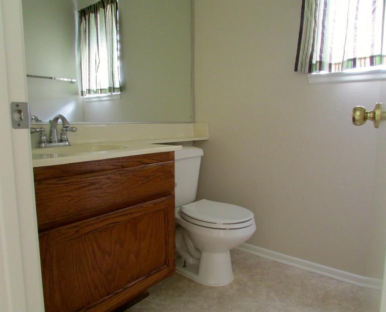 008_Downstairs Bathroom